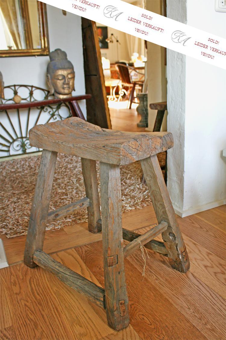 antiker hocker ulme. Black Bedroom Furniture Sets. Home Design Ideas