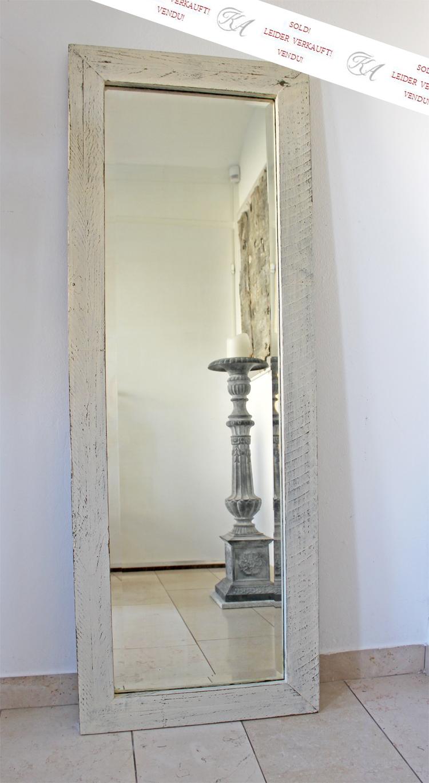 Ein Spiegel
