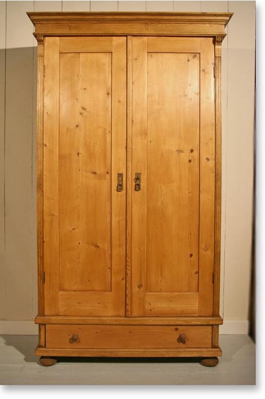 kleiderschrank weichholz. Black Bedroom Furniture Sets. Home Design Ideas