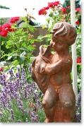 Skulptur, Knabe mit Fisch, * € 199,- *