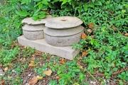 Alte Doppel-Säulenbasis, Stein