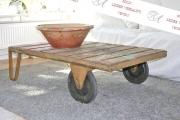 Alter Rollwagen aus Industrie Unternehmung