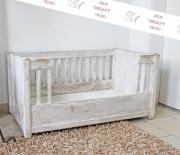 Antikes Hunde-Bett, Landhaus