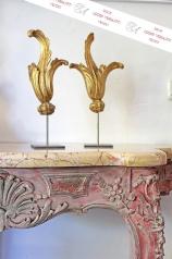 Antikes geschnitztes Blattwerk, vergoldet