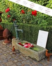 Ein Gartenbrunnen, Granitstein