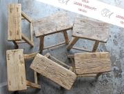 Ein Konvolut alter Holz-Hocker