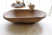Eine alte, große Holz Schale