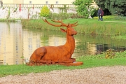 Gartenskulptur, Großer Hirsch, liegend, Eisenguss