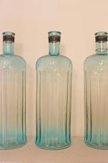 Große Glasflaschen, blau, * € 59,- *