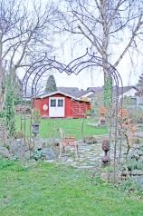 Großer Garten Rosenbogen