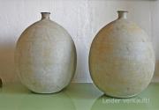 Ein Paar Eisenvasen