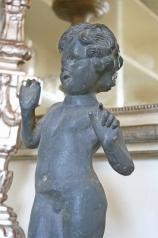 Skulptur stehender Knabe, Eisen, * € 150,- *